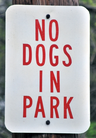 NO DOGS IN PARK