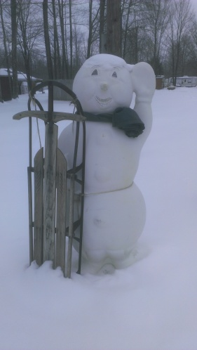 Forest Ridge Campgroundsa and Cabins   Snowman Greeter!