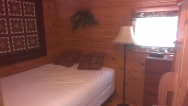 Forest Ridge Campgroundsa and Cabins   Allegheny Cabin - Bedroom